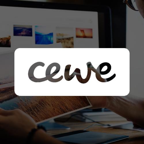 Logo-CEWE-blanc-avec-background